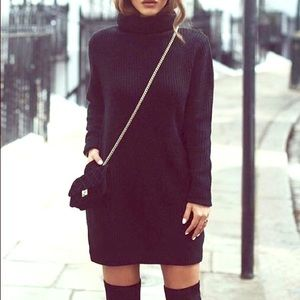 Black knitted sweater dress (mini)